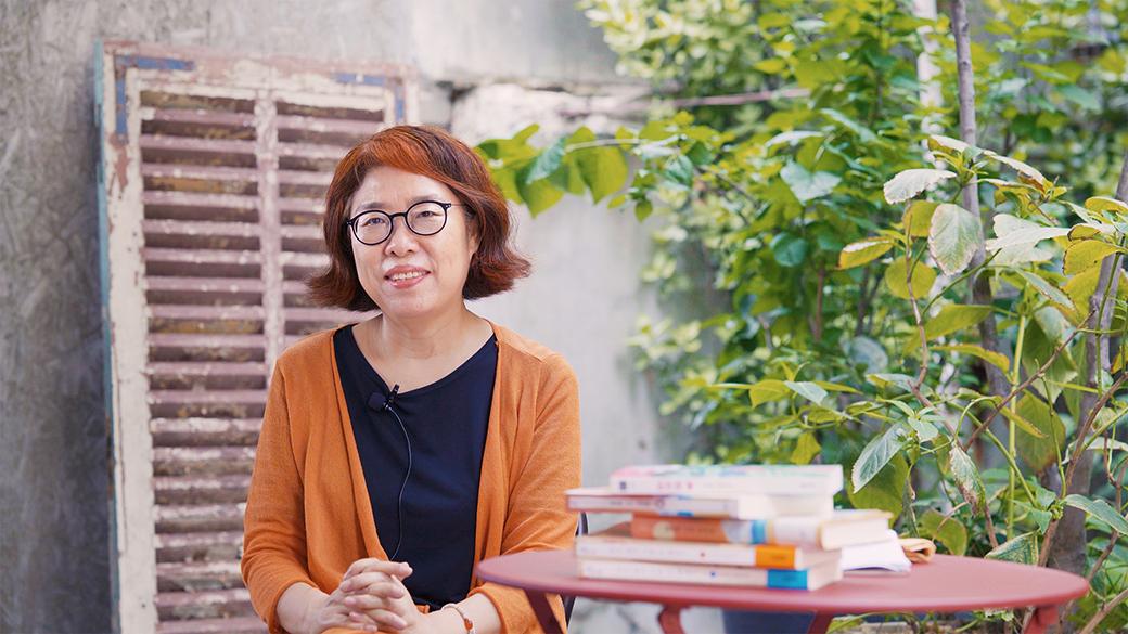 Writer Lee Geumi